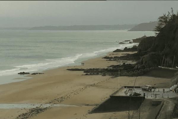Plage à Étables-sur-Mer