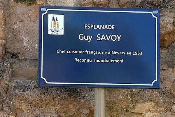 Le célèbre chef étoilé Guy Savoy, qui possède plusieurs restaurants à Paris et un à Las Vegas, est né dans la Nièvre.