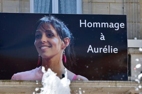 Le portrait d'Aurélie Châtelain sur l'hôtel de ville de Caudry