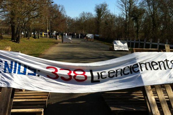 Les salariés du site Fenwal de La Châtre (Indre) entament une grève illimitée ce jeudi matin.