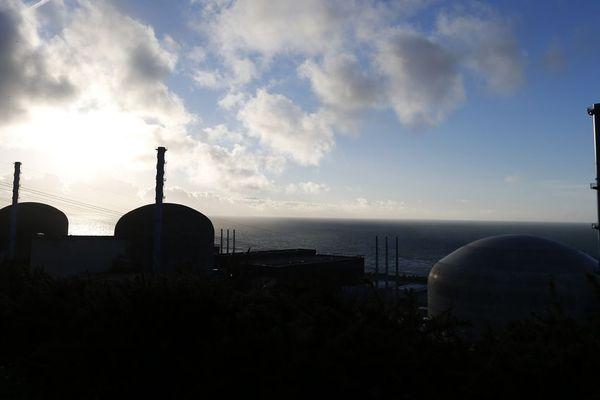 Les réacteurs de Flamanville 1, 2 et 3. Ce dernier attendra encore un peu avant d'entrer en service.