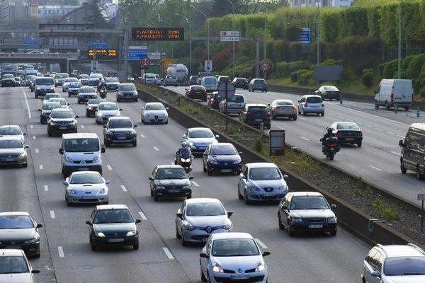Depuis le 10 janvier, la vitesse est limitée à 70 km/h (au lieu de 80 km/h) sur le périphérique parisien