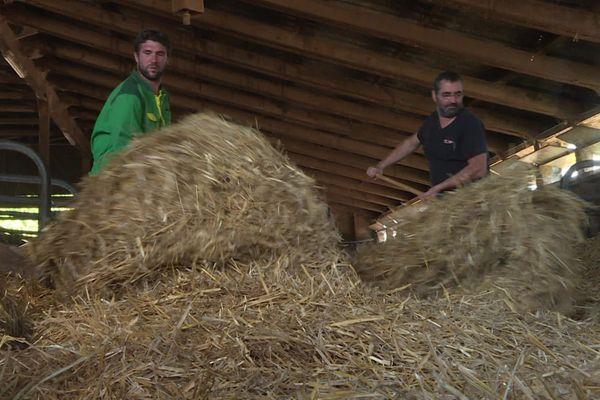 A Sorans-lès-Breurey, en Haute-Saône, les éleveurs du GAEC Adam ont obtenu l'autorisation d'extension de leur élevage, qui passe de 150 à 300 vaches laitières.