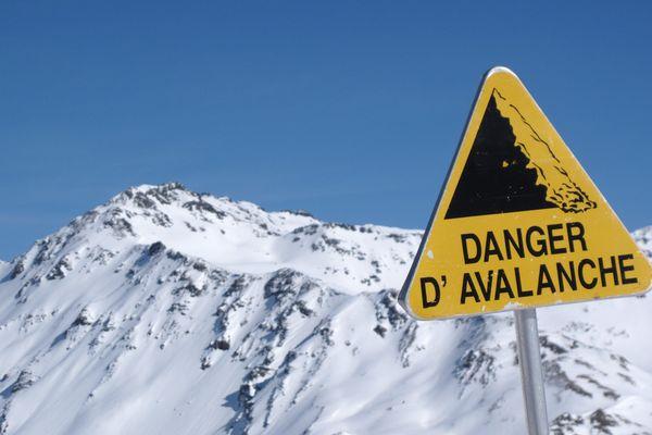 Un skieur originaire de Perpignan, âgé d'une cinquantaine d'années, a perdu la vie au Japon, emporté par une avalanche alors qu'il évoluait en hors-pistes.