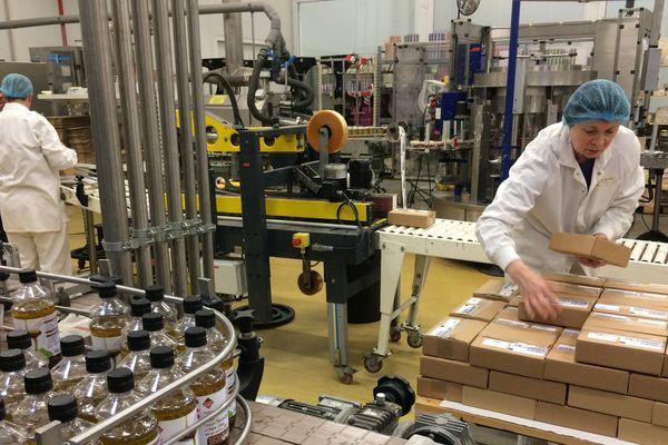 Delouis peut produire 3000 flacons de vinaigrette par heure.