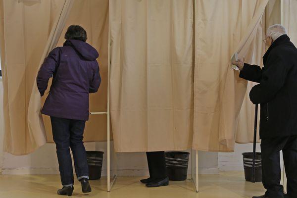 Un bureau de vote de Belfort, lors du second tour de la présidentielle le 7 mai 2017.