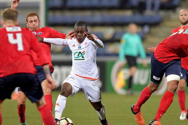 Madjeed Waris et les Lorientais en blanc ont su se sortir du piège castelroussin en s'imposant 3 buts à 2 après prolongation.
