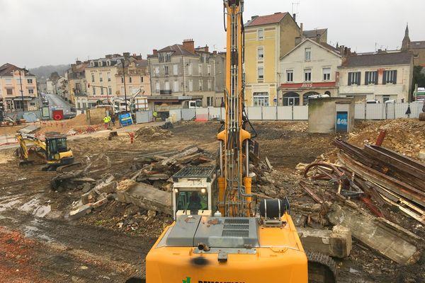 Difficile d'imaginer pour l'instant le visage du futur quartier de la gare dans les ruines de l'ancien...