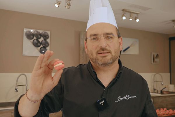 Le pâtissier dolois réalise ses formations de pâtisserie en ligne : une première en Franche-Comté !