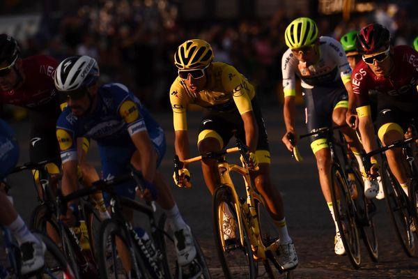 D'après nos informations, le Tour de France devrait compter une étape 100 % auvergnate en 2020 entre Châtel-Guyon dans le Puy-de-Dôme et le puy Mary dans le Cantal.
