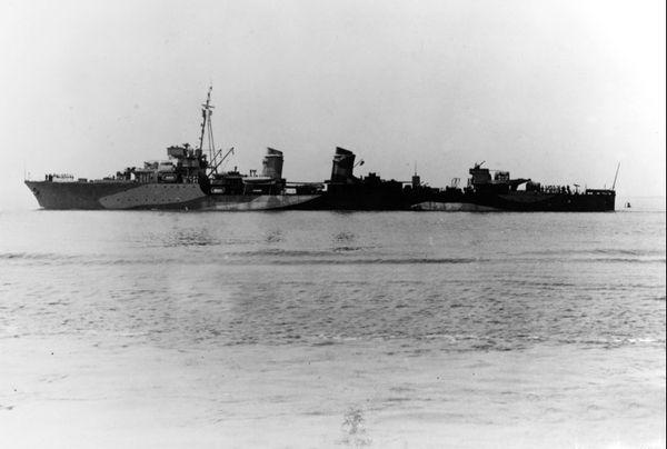 Le contre-torpilleur Leopard photographié en 1942.