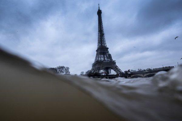 La Seine et la Tour Eiffel, le 7 janvier 2018.