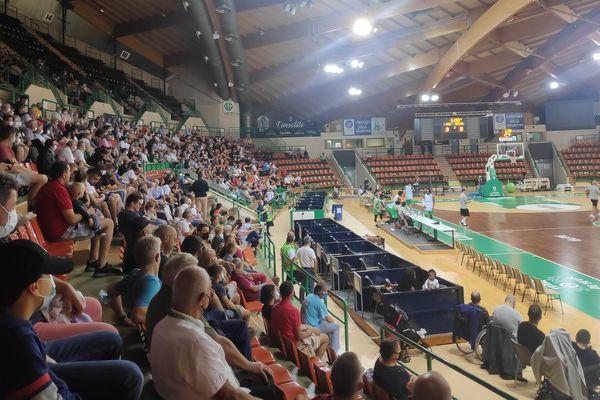 Près de 650 personnes ont assisté, dans les gradins de Beaublanc, à l'entrainement ouvert du Limoges CSP.