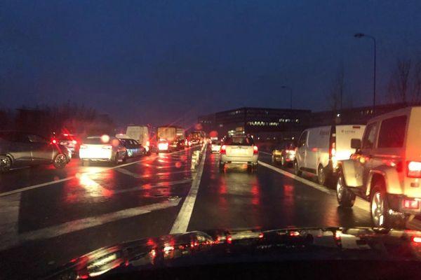 Les automobilistes devaient être patients. Une heure pour faire 5 kilomètres ce vendredi matin sur la rocade de Toulouse