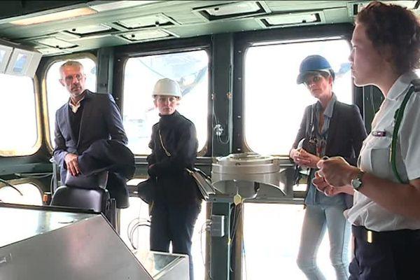 """L'équipe du film """"Volontaire"""" en visite sur le porte-avions Charles De Gaulle à Toulon."""