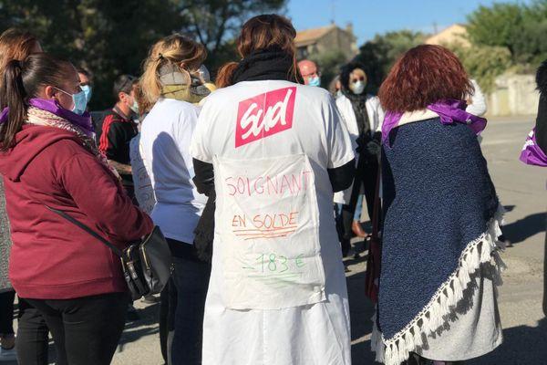 Uzès - Les soignants se sont rassemblés devant l'hôpital pour exprimer leur colère face aux mesures prises par le gouvernement - 15.10.20