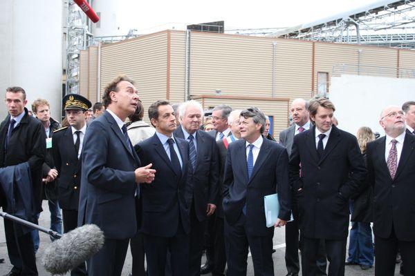 Le 4 novembre 2010, le président Sarkozy en visite à Nogent-sur-Seine chez Soufflet. De gauche à droite Jean-Michel Soufflet, Nicolas Sarkozy, Michel Soufflet, Jean-Louis Borloo et François Baroin.