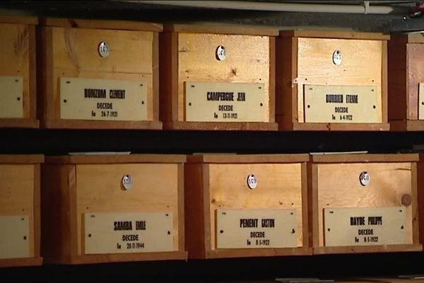 La crypte des poilus du cimetière de Terre Cabade à Toulouse abrite 1 706 cercueils de soldats morts pendant la première guerre mondiale.