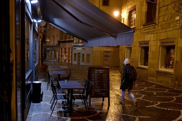 Les restaurants fermeront désormais dès 22 heures. Photo d'illustration