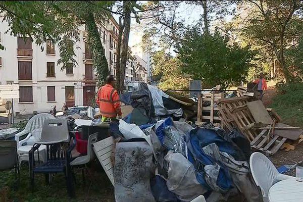 Quarante-quatre personnes vivaient au camp du quartier de Mérande, à Chambéry, depuis la fin du mois d'août. Une partie d'entre eux ont été immédiatement relogés.