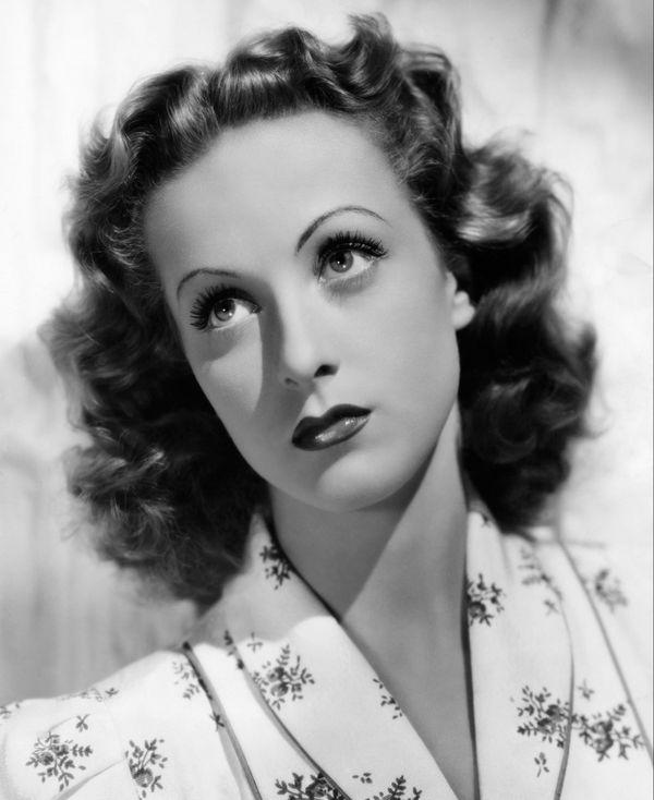 Danielle Darrieux, Portrait, 1938