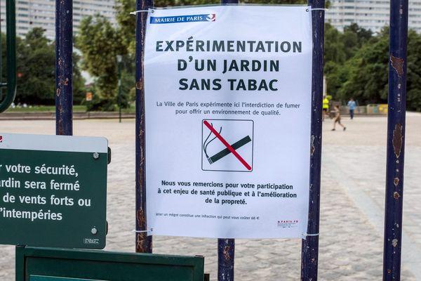 La mairie de Paris étend le dispositif antitabac dans ses parcs.