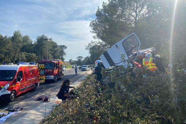 Accident de la route entre une fourgonnette et une moto ayant fait un mort et un blessé grave à Castries (Hérault) le 20 juillet 2021