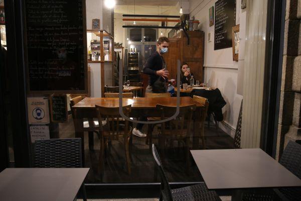 Les restaurants déjà éprouvés par le couvre-feu vont devoir affronter un nouveau confinement