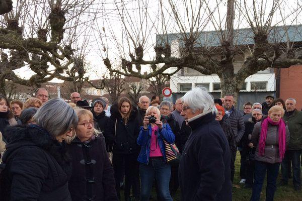 Marie-Rose Blétry, la mère de Christelle, face à Bernard Hommey, le président de l'association Christelle lors de la cérémonie d'hommage ce 28 décembre 2016