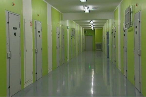 Le centre pénitentiaire de Vezin-le-Coquet près de Rennes accueille 922 détenus