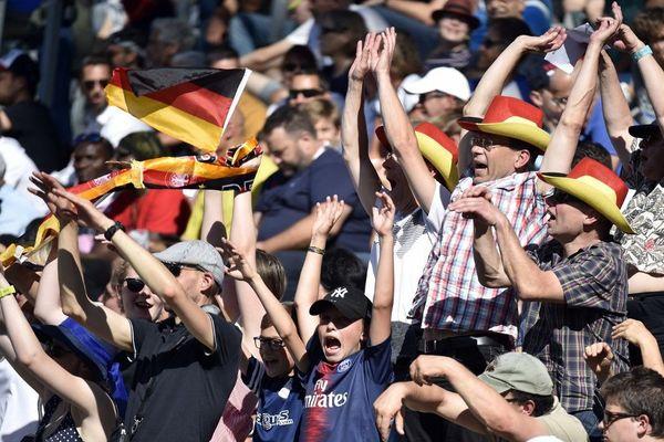 Des supporters allemands durant le huitième de finale Allemagne - Nigéria pendant la coupe du monde football 2019 au Stade des Alpes.