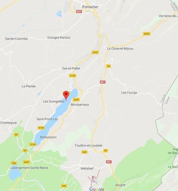 Pour alimenter en eau potable le secteur de Metabief, le débit en aval du barrage du lac Saint-Point va être réduit. Cette baisse des débits sortants du lac devrait engendrer une baisse du niveau du Doubs sur le secteur de Pontarlier.