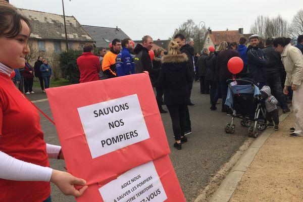 Manifestation des habitants de Bromont-Lamothe contre la fermeture du centre de secours des sapeurs-pompiers
