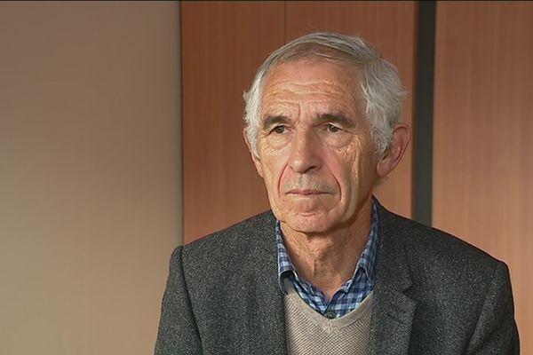 Pierre Salliou, maire de Pabu