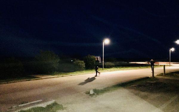 Courir à la lumière des réverbères de l'Arinella