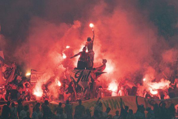 Les Ultras, les MTP et les Fanatics sont sanctionnés de la fermeture de leur tribune après l'usage d'engins pyrotechniques dans le stade Vélodrome, le 1er septembre dernier, lors du match contre Saint-Etienne.