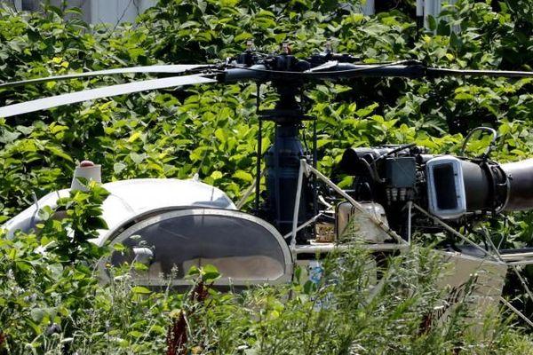 L'hélicoptère Alouette II abandonné après l'évasion spectaculaire de Redoine Faïd de la prison de Réau (Seine-et-Marne), le 1er juillet 2018.