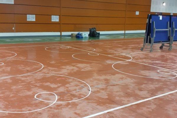 Le centre de vaccination de Sant-Brévin inondé, le 8 septembre 2021, a été déplacé dans une autre salle de sport