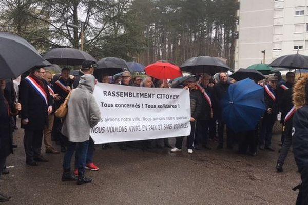 La marche a rassemblé environ 300 personnes ce samedi entre Le Creusot et Torcy.