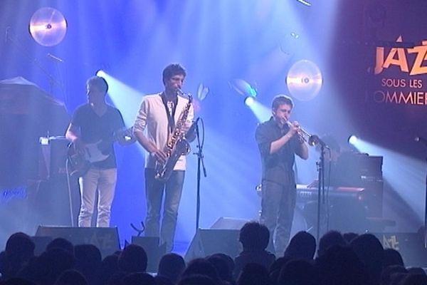 Le groupe de jazz fusion Ilijaz était sur la scène de la salle Marcel Hélie lundi soir pour le concert réservé aux lycéens.