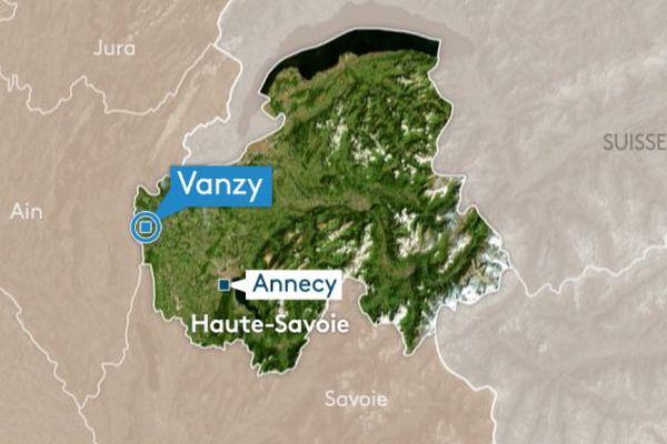Un poids lourd a pris feu ce jeudi matin 5 avril sur la RD 1508 sur la commune de Vanzy (Haute-Savoie).