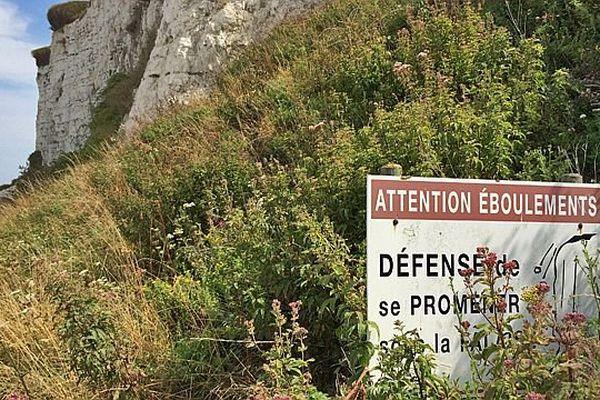 Pancarte sur la plage de Criel-sur-Mer