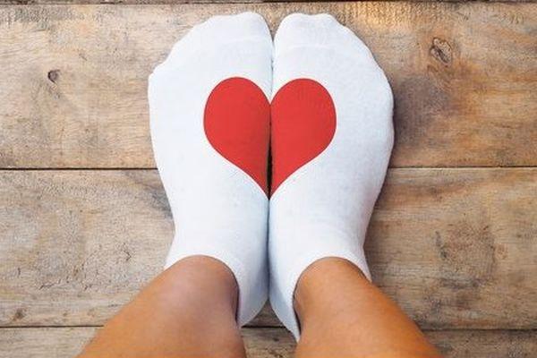 Le fabricant de chaussettes alsacien Labonal a déjà donné 8.500 paires de chaussettes pour les plus démunis au mois de décembre. Il a renouvelé l'opération ce lundi 22 mars en offrant 3.785 nouvelles paires qui seront distribuées par deux associations de la région, à Strasbourg et Mulhouse.