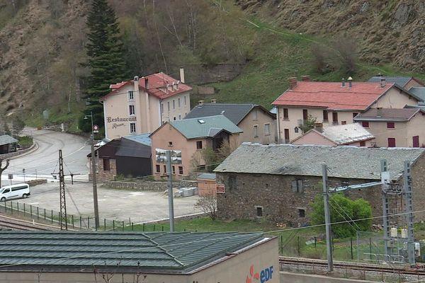 L'Hospitalet-près-l'Andorre, en Ariège, compte 102 habitants.