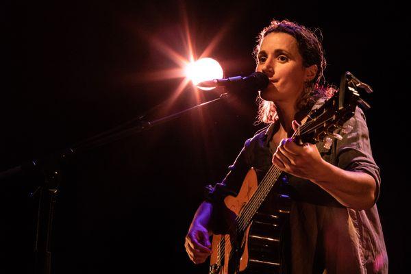 Après 10 ans d'absence, Thérèse retrouve la scène ce 28 septembre à la Bouche d'air à Nantes.