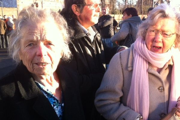 Sophie Golebiowski et Helena Prébilac avaient interpellé en juillet 2004 Renaud Donnedieu de Vabres, ancien ministre de la Culture, en faveur du Louvre à Lens.
