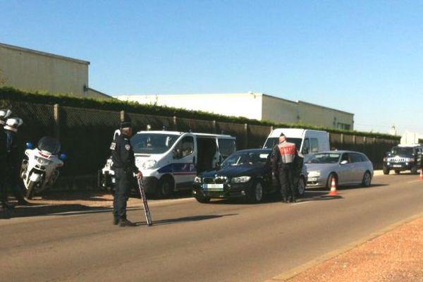 Une cinquantaine de voitures ont été contrôlées, à Chenôve, cet après-midi.
