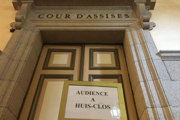 L'audience a débuté ce matin, à huis-clos, à la cour d'assises de la Haute-Vienne.