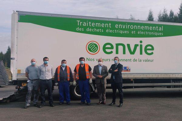 Un camion de l'antenne strasbourgeoise de l'association Envie au Center Parcs Les Trois Forêts de Sarrebourg.
