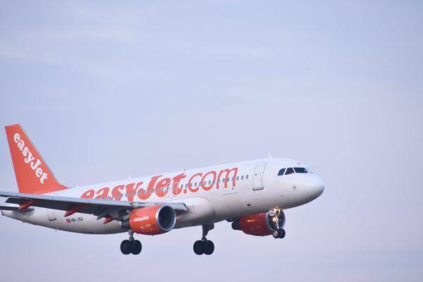 Un avion Easyjet à destination de Nice a décollé avec plus de 7 heures de retard dimanche.